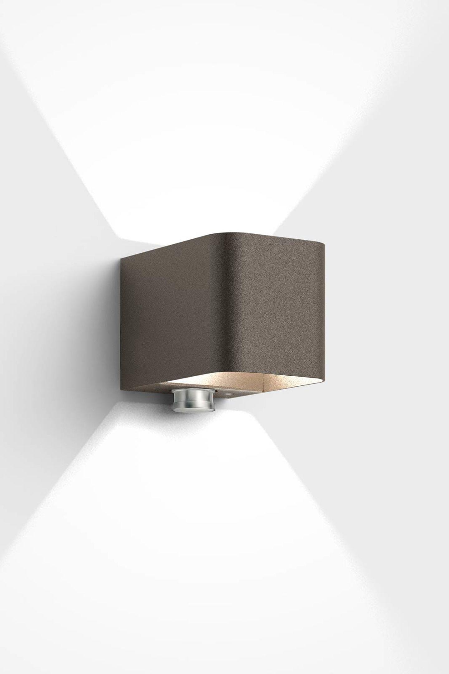 aussenleuchten licht h lt einbrecher fern. Black Bedroom Furniture Sets. Home Design Ideas